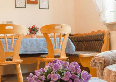 Ferienwohnung Thiem Berti Wohnzimmer Sitzecke für mehrere Personen